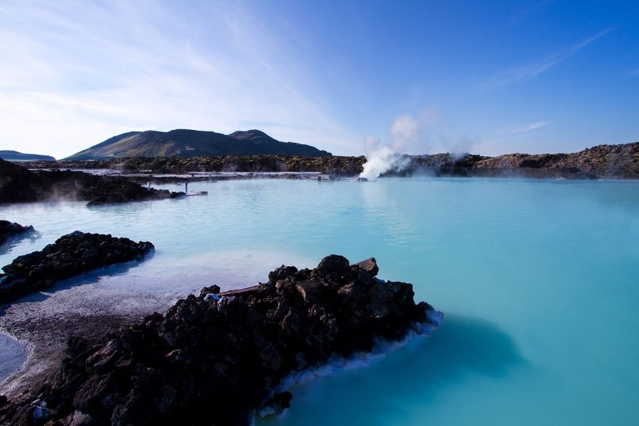 Destino para relaxar na Lagoa Azul em Reykjavik